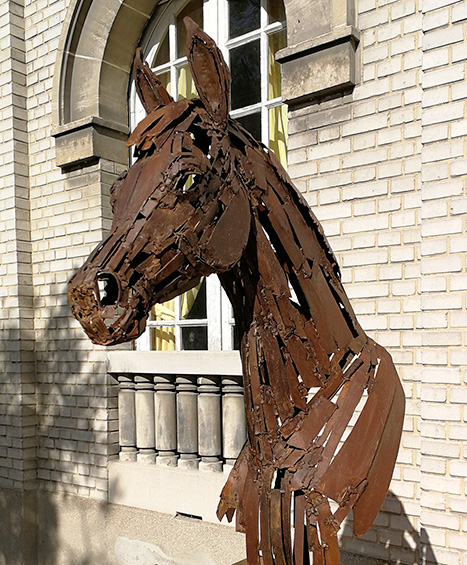 Tête de cheval en acier soudé